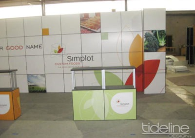 simplot-10x30-grid-wall-panel-exhibit-04