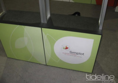 simplot-10x30-grid-wall-panel-exhibit-06