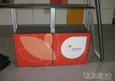 simplot-10x30-grid-wall-panel-exhibit-07