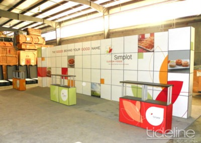 simplot-10x30-grid-wall-panel-exhibit-08