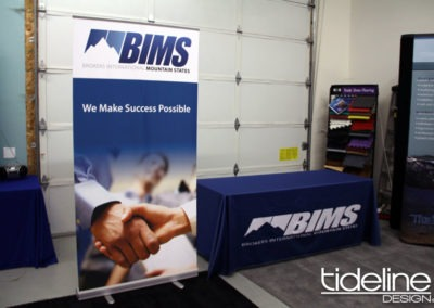 bims-convertible-floor-to-table-top-banner-stand-02
