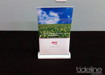 simplot_miniT_tabletop_retractable_bannerstand_01