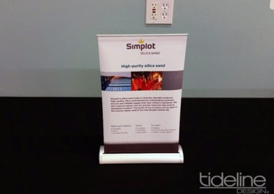 simplot_miniT_tabletop_retractable_bannerstand_02