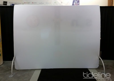fr-trade-show-fabric-vertical-curve-gentube-display-08